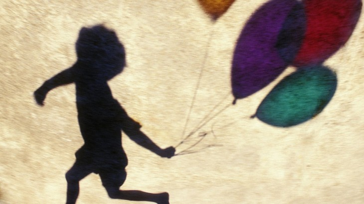 shadow-of-a-child-with-balloons-3623-1